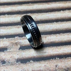 Steel spinner ring, size 9.